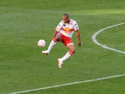Thierry_Henry_control_New_York_Red_Bulls_2010